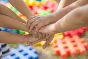 В Астраханской области увеличат число детей-сирот в приемных семьях на 1000%