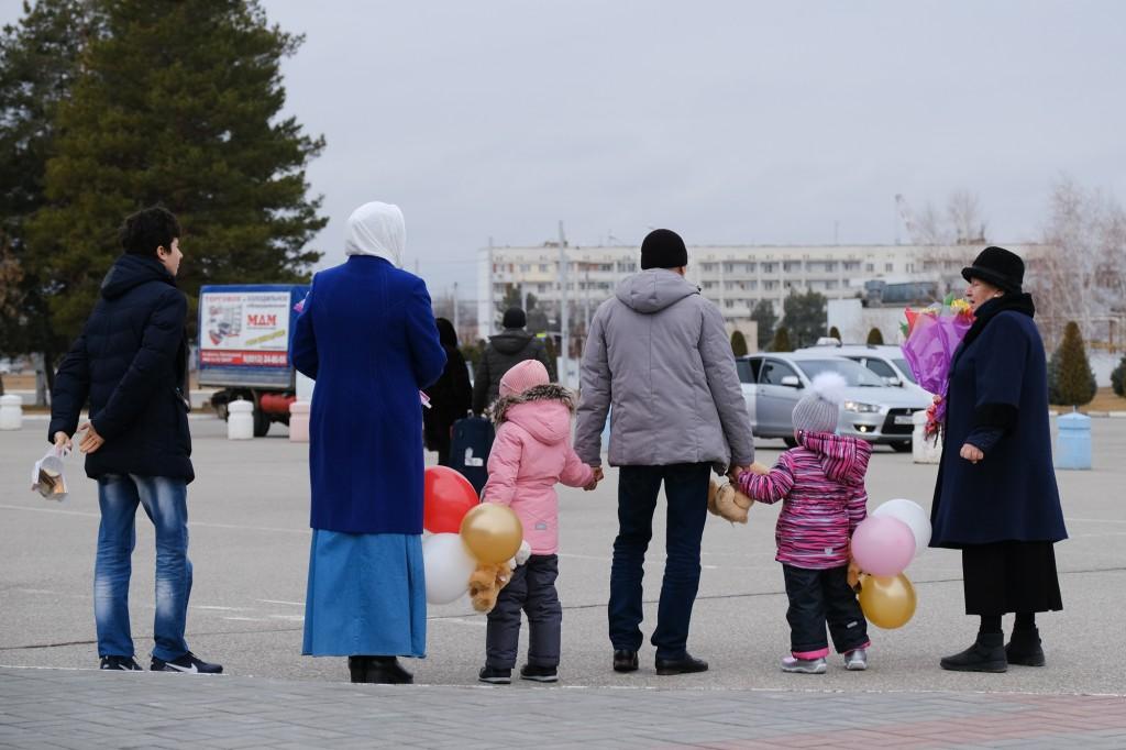 «Самое страшное — позади»: астраханские девочки вернулись на родину из Сирии