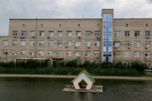 Кировская больница вернулась к работе после проверки сотрудников на коронавирус