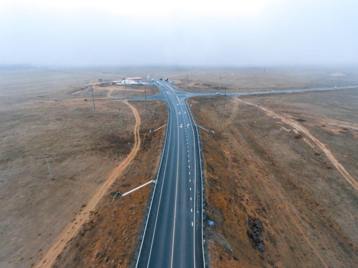 Трасса Астрахань-Махачкала к концу года станет полностью асфальтированной