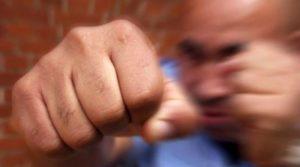 Агрессивного работника Марфинской больницы уволили