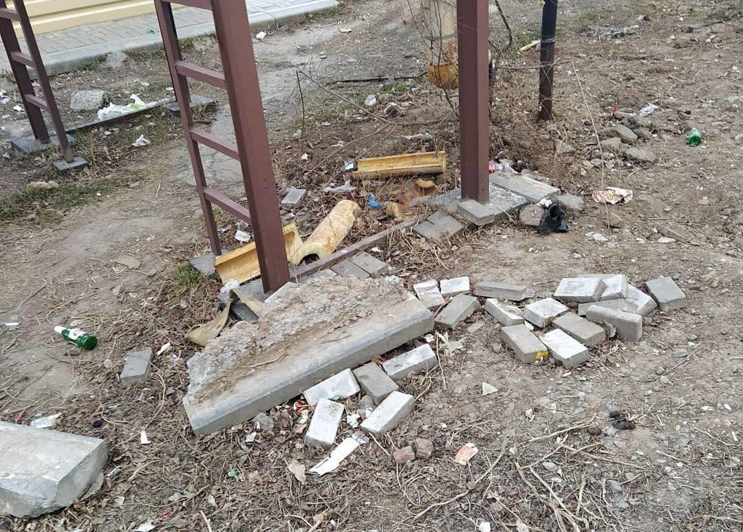Астраханцы показали разруху после работы коммунальщиков