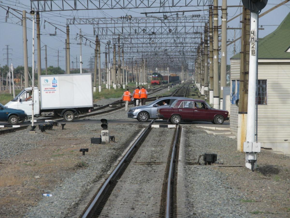 Количество ДТП на железнодорожных переездах ПривЖД снизилось на 26%