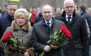 «Не отчаивайтесь»: Путин ответил петербурженке о возможности выжить на 10,8 тысяч в месяц