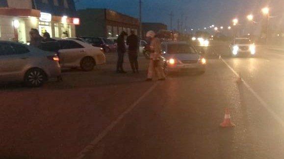 Под Астраханью парень на автомобиле сбил женщину