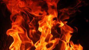 В Астрахани горит пятиэтажка на улице Татищева