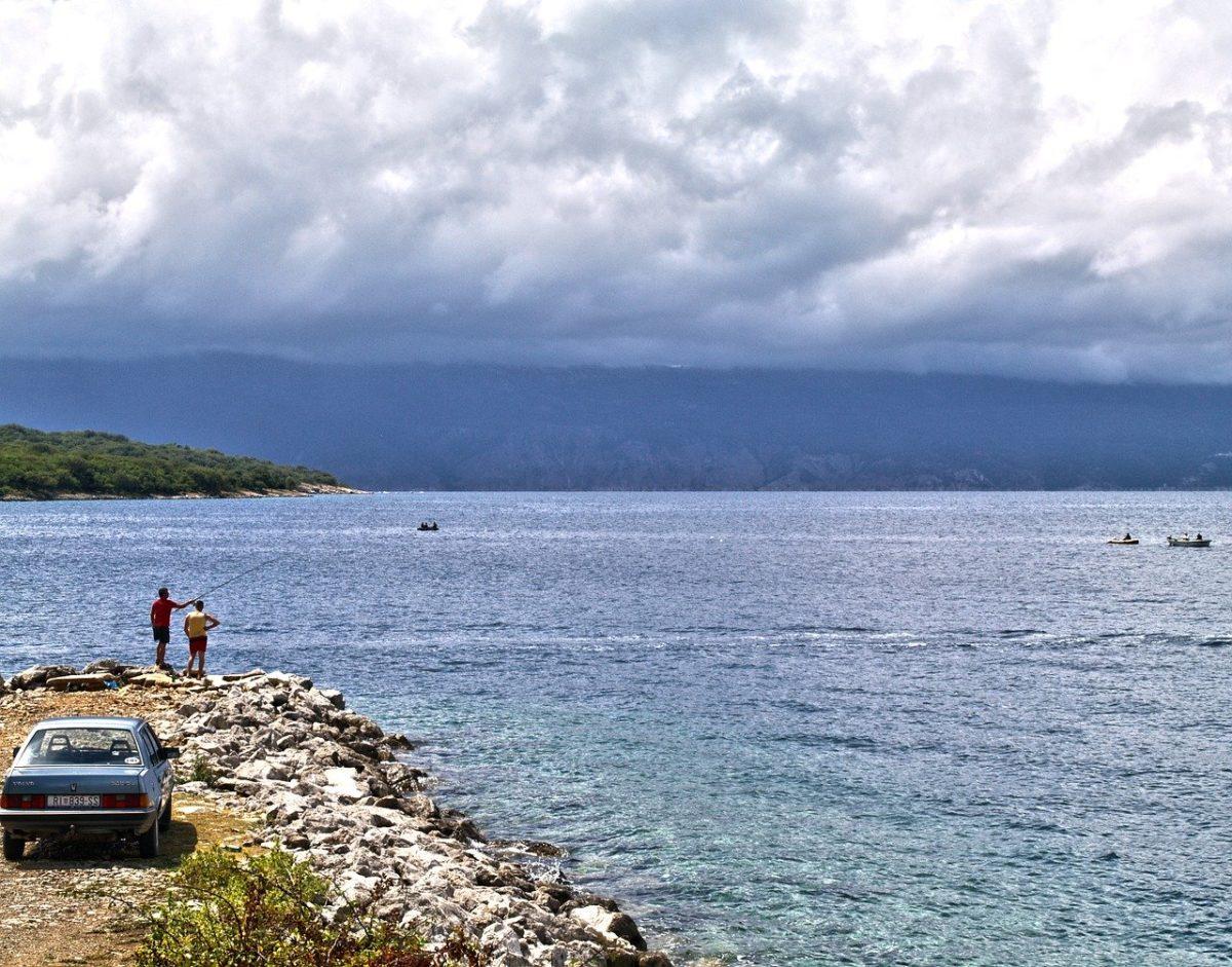 Рыбакам хотят разрешить подъезжать поближе к рекам на машине