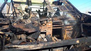 В Астрахани горел жилой дом