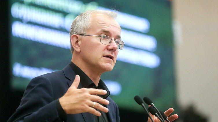 Олег Шеин вошел в пятерку самых активных депутатов Госдумы