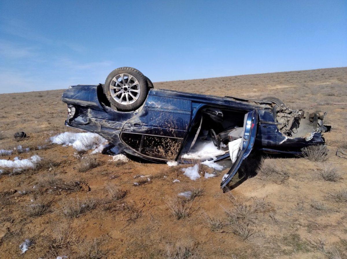 Астраханка перевернулась на BMW и осталась жива