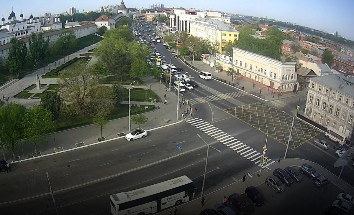 В Астрахани собираются штрафовать за блокировку перекрестков во время затора