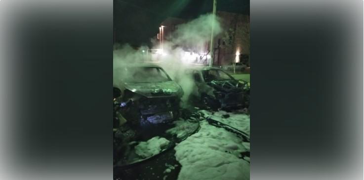 Утром в Астрахани сгорели три автомобиля
