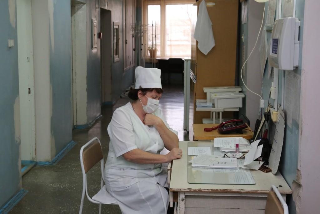 В Володарской районной больнице четыре отделения закрыли на карантин