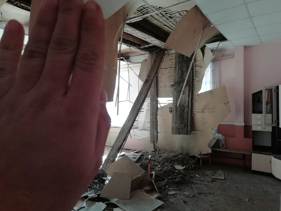 Ремонт астраханского детского сада, в котором обрушился потолок, закончат в мае