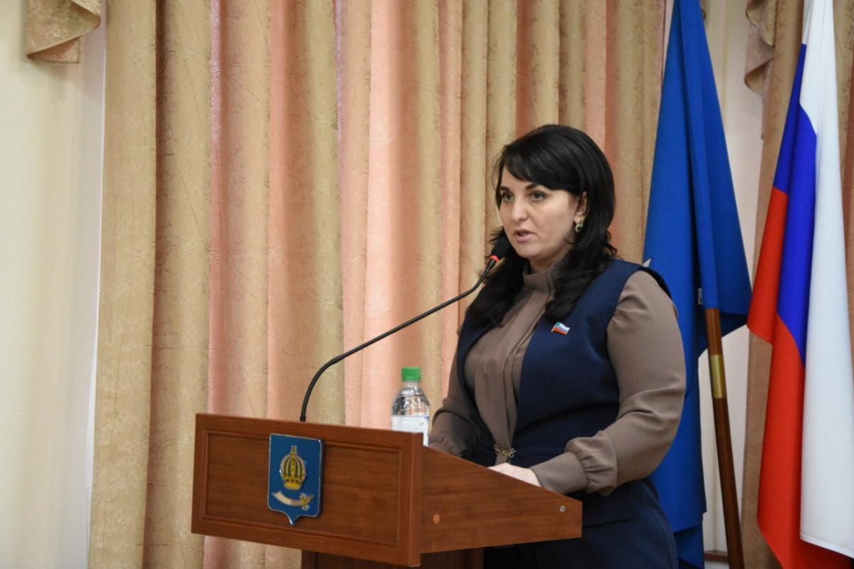 У депутатов не получается уволить главу Астрахани Алену Губанову