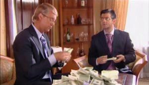Среднемесячная зарплата в Астраханской области достигла 37 тысяч рублей