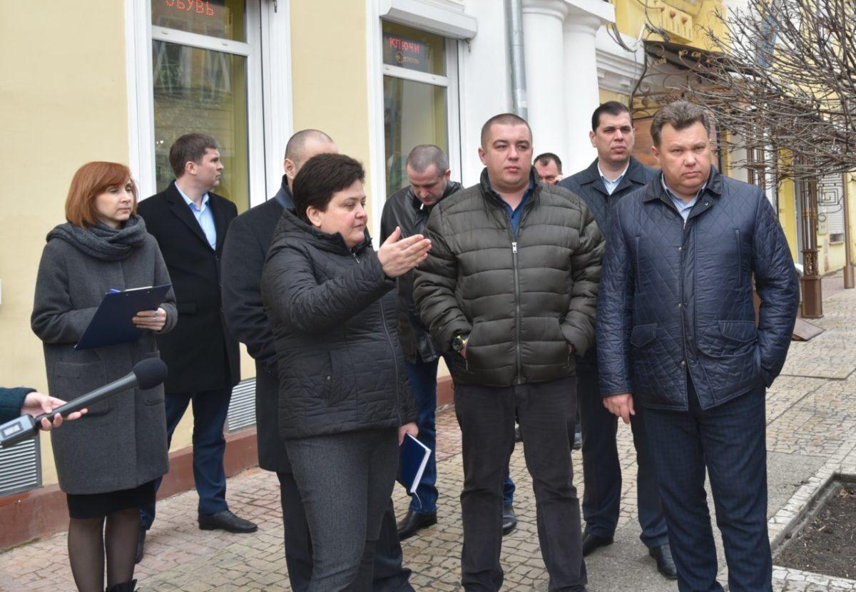 Первое совещание нового сити-менеджера прошло прямо на улице Кирова