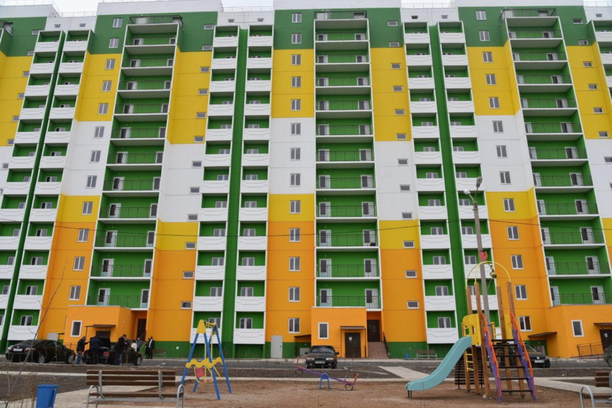 Городские власти передали астраханцам ключи от 54 квартир