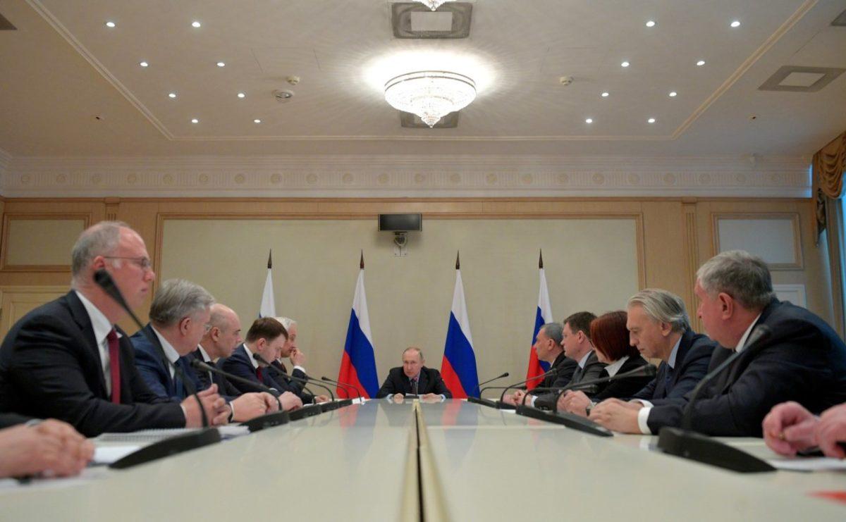 Путин заявил о проблемах в мировой экономике из-за коронавируса