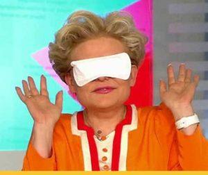Астраханским врачам предлагают делать маски из женских прокладок