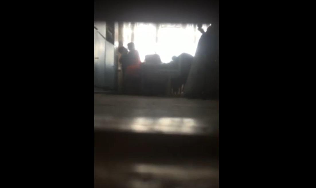 Учительницу из Астрахани приговорили к 2,5 годам за совращение школьника