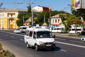 Городские власти попросили чаще отправлять маршрутки в Зацаревье