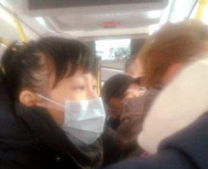 Астраханцы боятся заразиться в переполненных дежурных автобусах