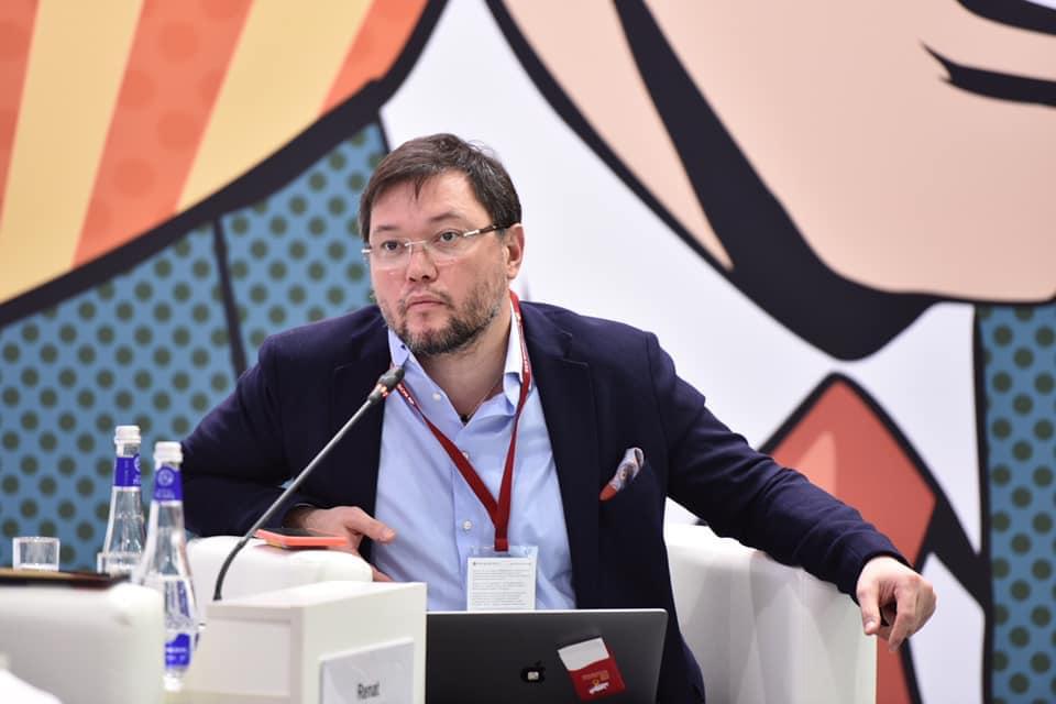 Астраханец Ренат Батыров сделал прогноз развития мировой экономики
