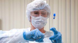 Астраханский минздрав сообщил об еще 35 случаях заражения коронавирусом