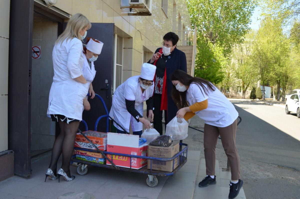 «Единая Россия» помогла астраханским врачам горячими обедами