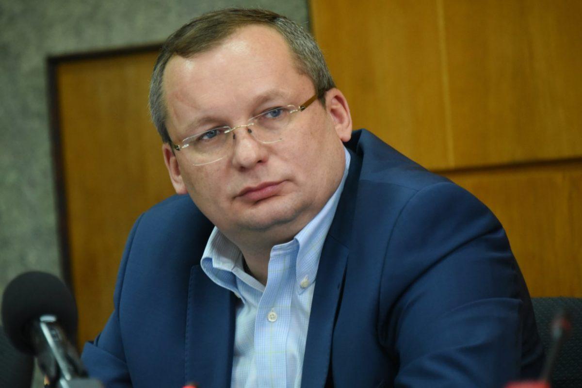 Игорь Мартынов рассказал о том, как депутаты помогают жителям региона преодолеть сложный период