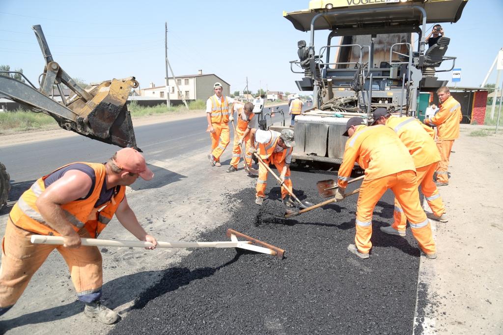В Астраханской области приведут в порядок 20 километров дорог уже в мае