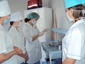 Астраханские медики получают все выплаты полностью и в срок