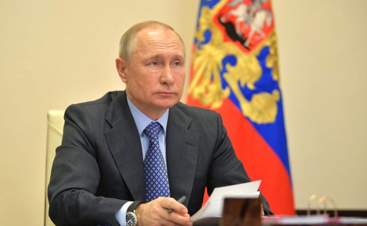 Путин призвал к экстраординарным мерам в борьбе с коронавирусом