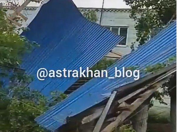 Жители дома в астраханском селе Николаевка остались без крыши