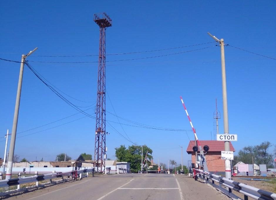 Светодиодные светильники установят на четырех железнодорожных переездах Астраханского региона ПривЖД до конца 2020 года