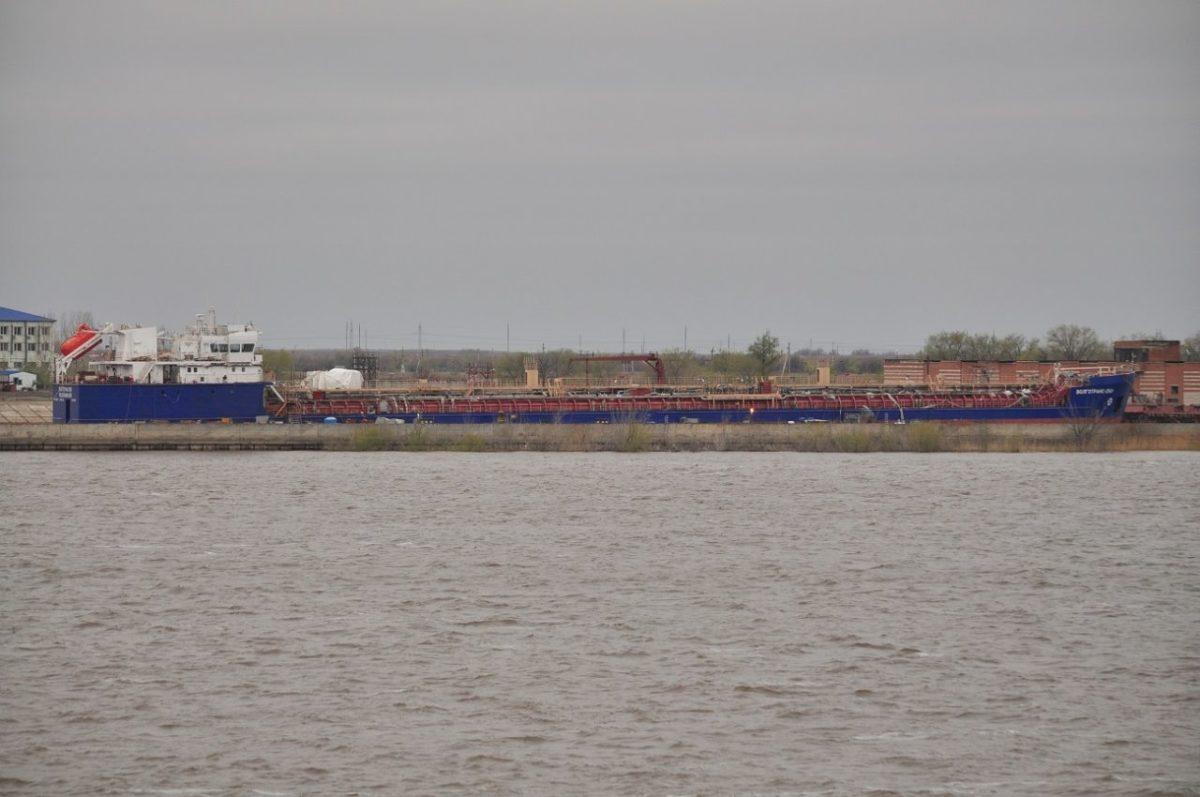Судостроительный завод «Лотос» готовится вывести на испытания танкер-химовоз