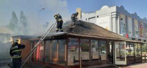В шашлычной напротив «Алимпика» вспыхнул пожар