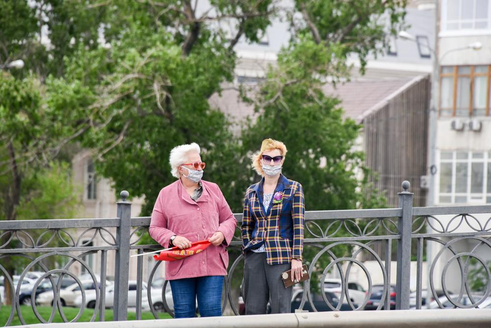 Игорь Бабушкин призвал астраханцев приобретать маски местных производителей