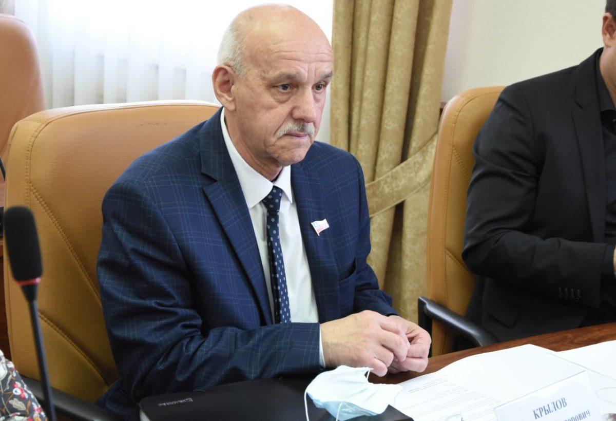 В Городскую Думу Астрахани на три месяца вернулся опытный депутат