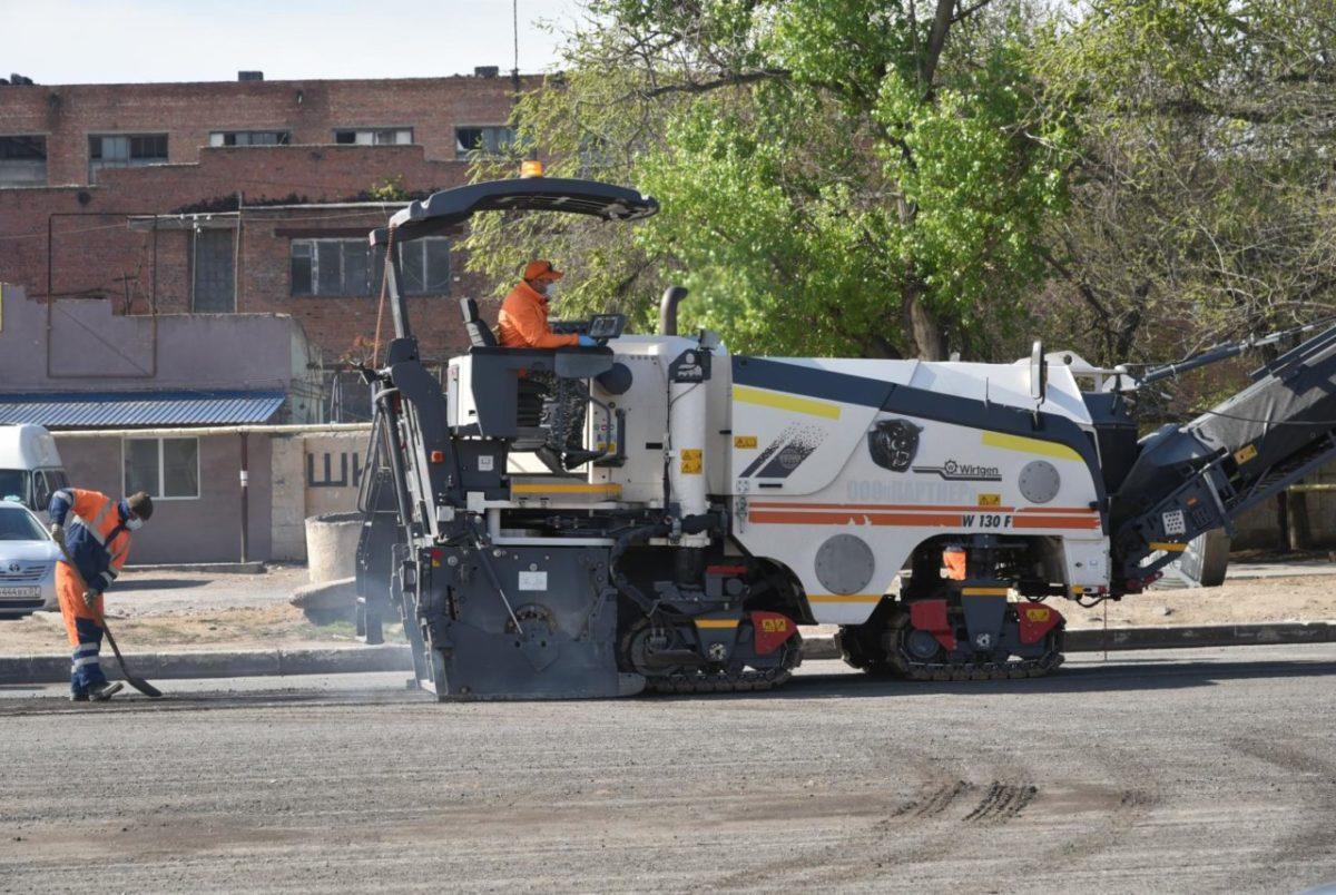 В Астрахани озвучили планы по ремонту дорог на будущий год