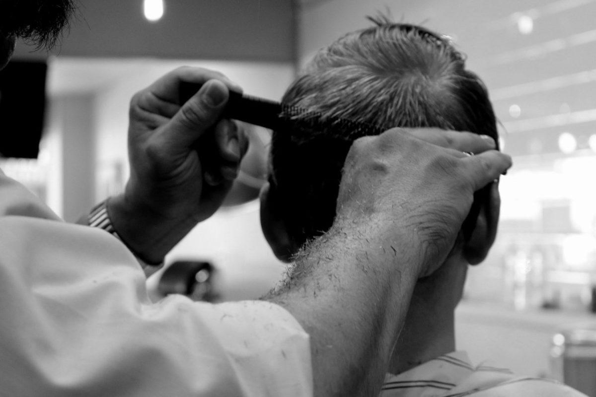 Больше всего самозанятых в Астраханской области работают парикмахерами и водителями