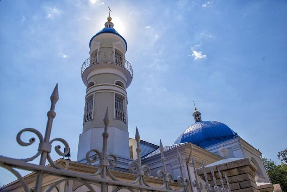 Мусульман Астрахани настоятельно призвали отмечать Ураза-байрам дома
