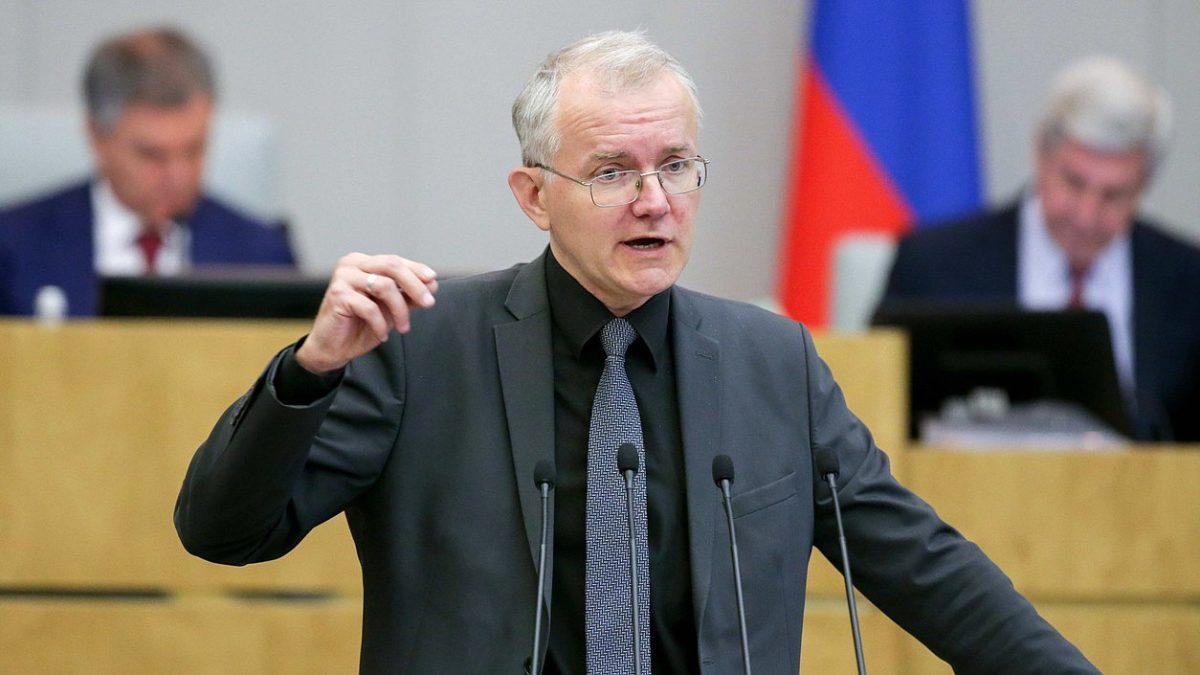 Олег Шеин обратился к Путину с просьбой выдать пособие всем семьям с детьми