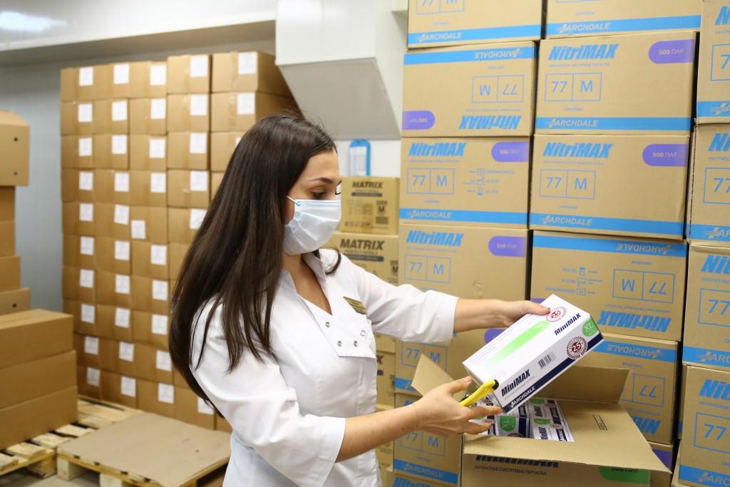 На астраханские избирательные участки закупили десятки тонн антисептиков, маски и перчатки