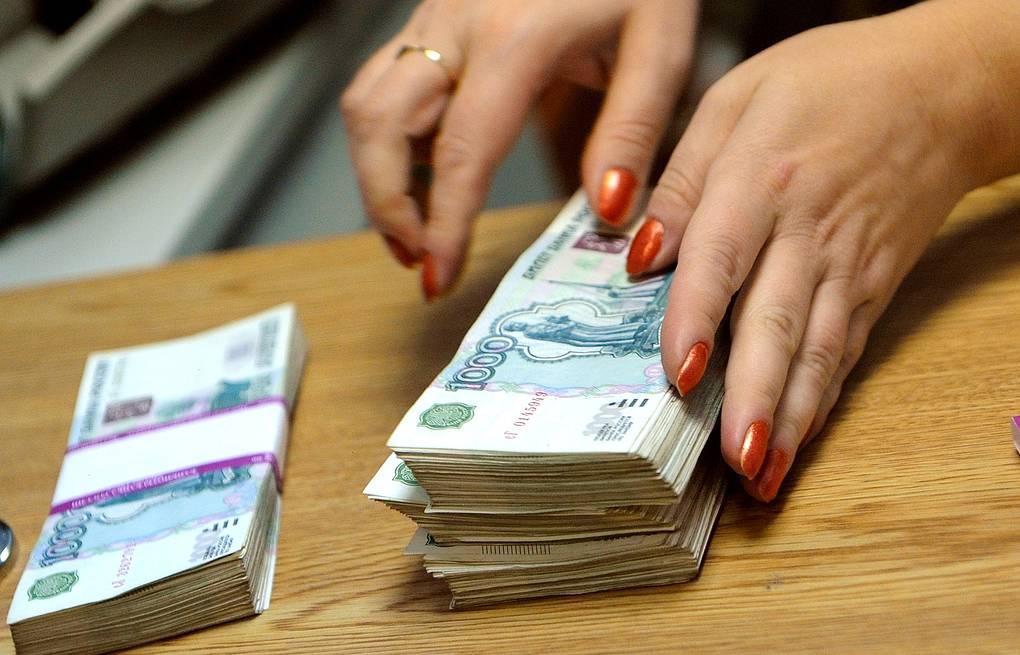 Самозанятым и бизнесменам в Астрахани дадут немного денег