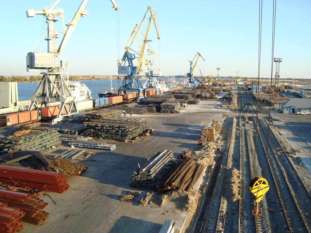 Через астраханские порты повезут 8 млн тонн всякого разного