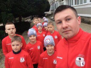 Астраханские футболисты читают рэп для тренера