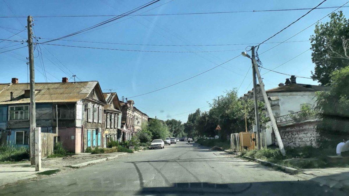 Астраханке 11 лет отказывали в признании ее дома аварийным