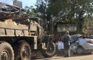 В Астрахани грузовик «Урал» смял вставшую у него на пути легковушку